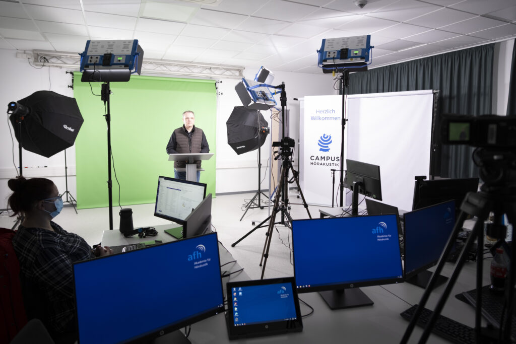 Seminars and meetings via live stream, as well as professional instructional videos, produced in-house. The Academy of Hearing Acoustics has set up a new online studio with state-of-the art technical equipment to further optimize multi-media classes on the Hearing Acoustic Campus.